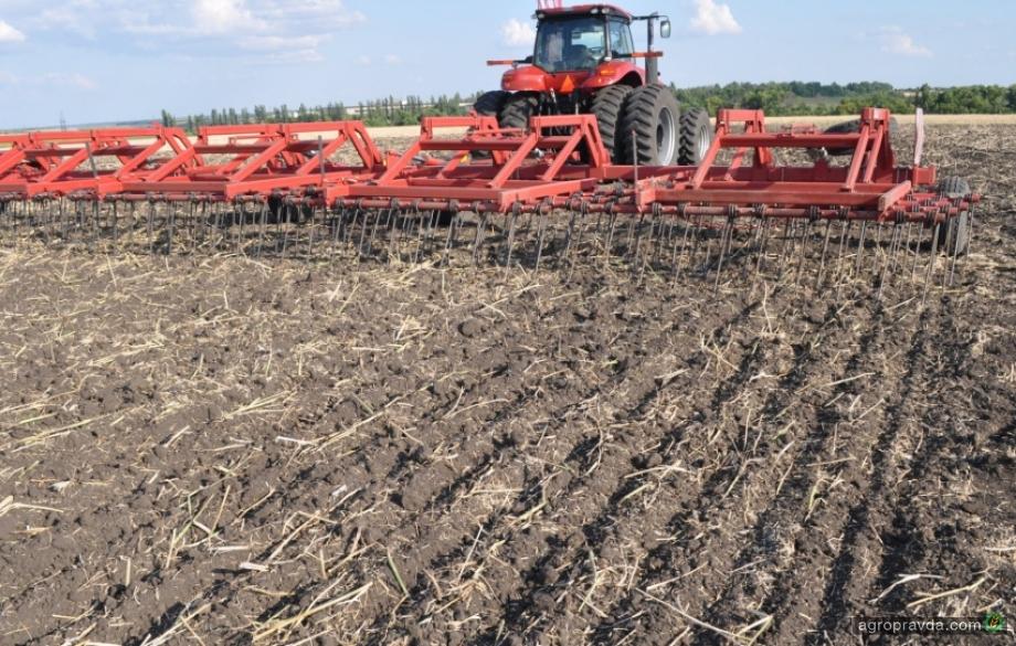 Негативні процеси в аграрній галузі почались до відкриття ринка землі